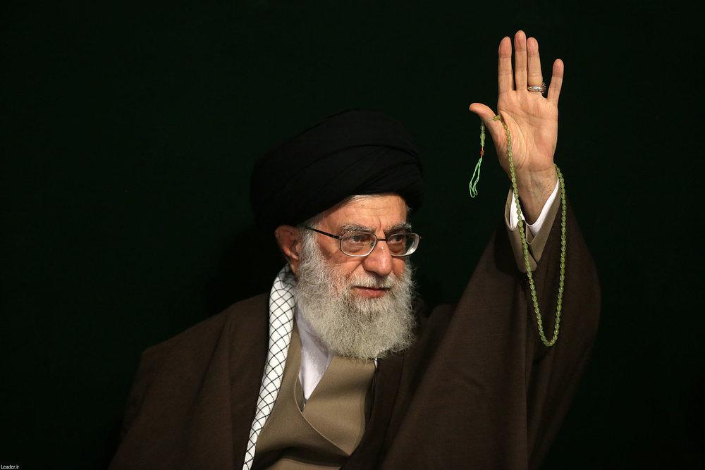 قائد الثورة: القلوب النقية والإيمان الوديع والإحساس الصادق تجلب الألطاف الربانية