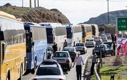 انتقال زوار از مهران به کرمانشاه با ۲۰۰۰ خودروی عمومی