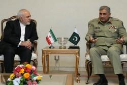 ظريف يلتقي بقائد الجيش الباكستاني
