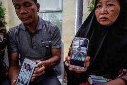 Endonezya'da düşen uçaktaki yolcuları arama çalışmaları sürüyor