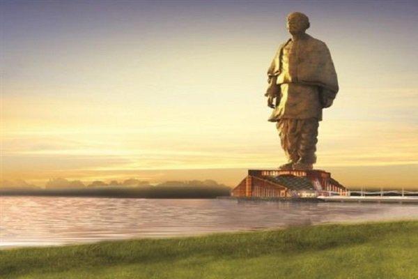 Hindistan'da dünyanın en uzun heykeli açıldı