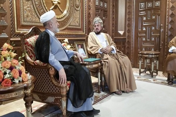 جهانغيري يوجه دعوة لنائب رئيس الوزراء العماني لزيارة إيران