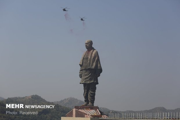 VIDEO: World's tallest statue unveiled in India