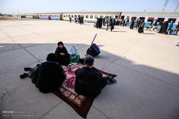 عودة زوار الأربعين من معبر شلمجه