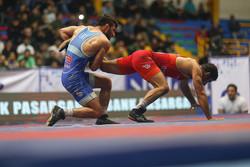 المنتخب الإيراني للمصارعة الحرة يتأهل إلى المرحلة النهائية لكأس آسيا