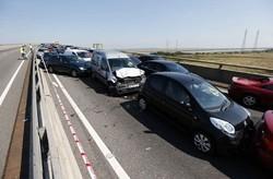 تصادف زنجیره ای ۵ خودرو در اتوبان تهران ساوه/یک نفر مصدوم شد