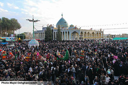 Tens of foreign tourists spectate Arbaeen rituals in Yazd