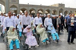 تشرف معلولان به حرم مطهر رضوی همزمان با دهه آخر صفر