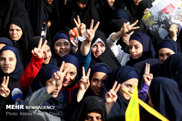 راهپیمایی استکبار ستیزی ۱۳ آبان در اصفهان