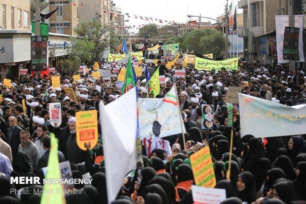 راهپیمایی استکبار ستیزی ۱۳ آبان در قم