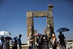Tourists from Hong Kong visit Persepolis, a UNESCO-registered property in southern Iran, February 11, 2016. (AFP Photo/Behrouz Mehri)