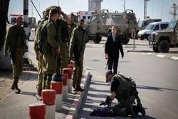 قوات الاحتلال الإسرائيلي تعتقل فتاة مصابة بعد إطلاق الاحتلال النار عليها شرق القدس