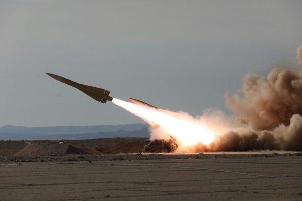 """صواريخ """"طبس"""" و""""شلمجة"""" تصيب اهدافها الجوية بدقة"""