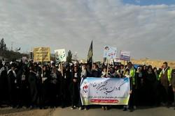 کاروان پیاده ۷۰۰ نفره ایثارگران و خانواده شهدا راهی مشهد شد