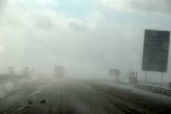 مه غلیظ گردنههای کوهستانی زنجان را فرا گرفته است