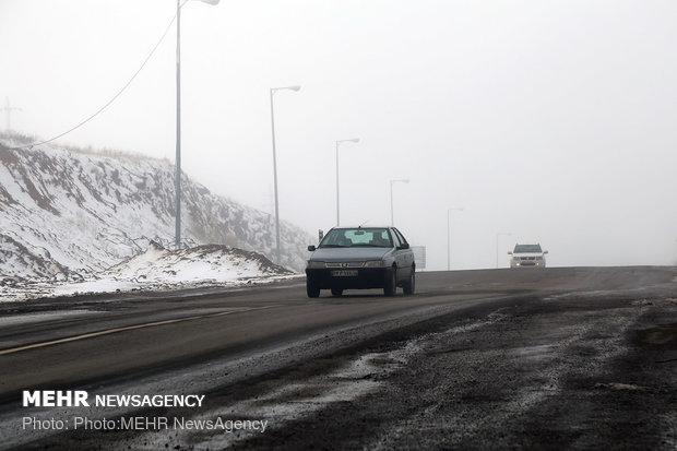 برخی ازجاده های آذربایجان شرقی لغزنده هستند/ رانندگان احتیاط کنند
