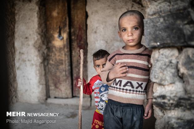 مشکلات بهداشتی و نبود تغذیه مناسب در روستاهای محروم، موجب بروز مشکلات جدی و همچنین سوء تغذیه میان کودکان شده است.