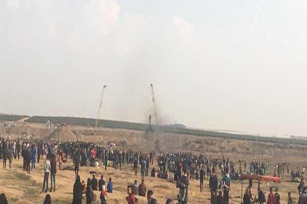 İsrail güçleri Filistinli göstericilere ateş açtı