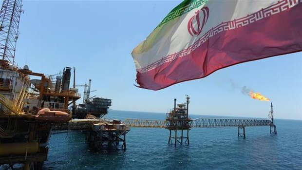 Dutch firms still cooperating with Iran's oil industry despite US sanctions