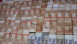 پاکستان میں سابق سرکاری افسر کے گھر سے 33 کروڑ روپے برآمد
