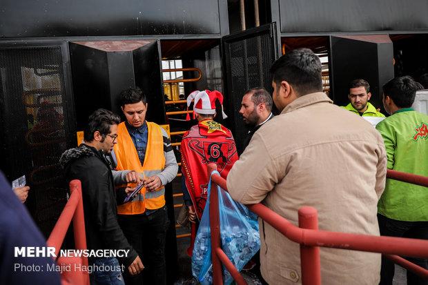"""أجواء مدينة طهران قبل مباراة """"برسبوليس"""" و""""كاشيما"""""""