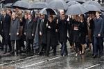 Liderlerden Paris'te 100. yıldönümü yürüyüşü