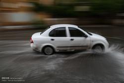 بارش شدید باران در شهرکرد/ آبگرفتگی معابر