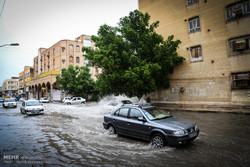 فيضانات تعم مدينة الأهواز جنوب غرب ایران / صور