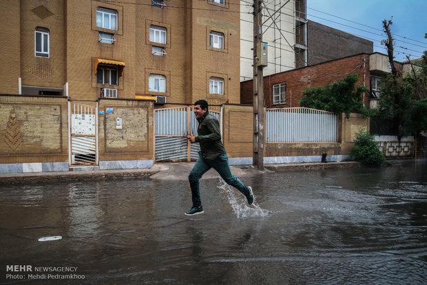 آبگرفتگی معابر شهر اهواز بعد از بارندگی امروز صبح