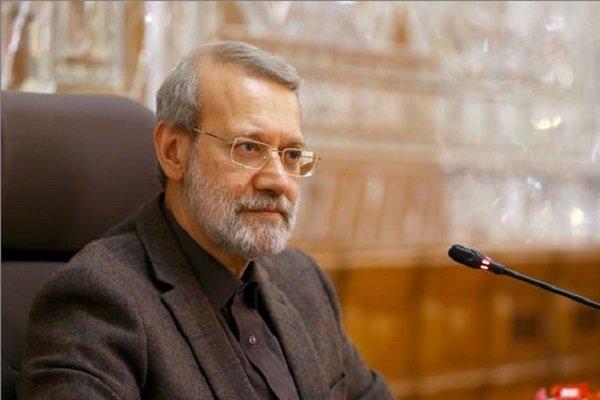 Larijani congratulates Iranian team for winning IOAA title