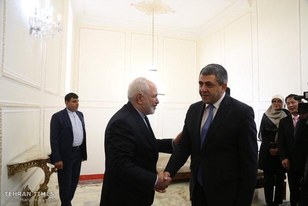 Zarif meets UNWTO Secretary General, German senior politician