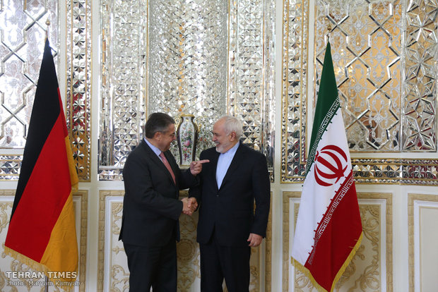 Zarif meets UNWTO Secretary General, German senior politician