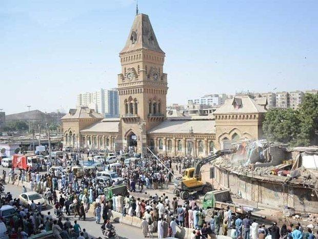 کراچی میں تجاوزات کے خلاف آپریشن کا سلسلہ جاری