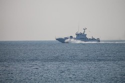 İzmir'de göçmenleri taşıyan tekne battı: 4 ölü