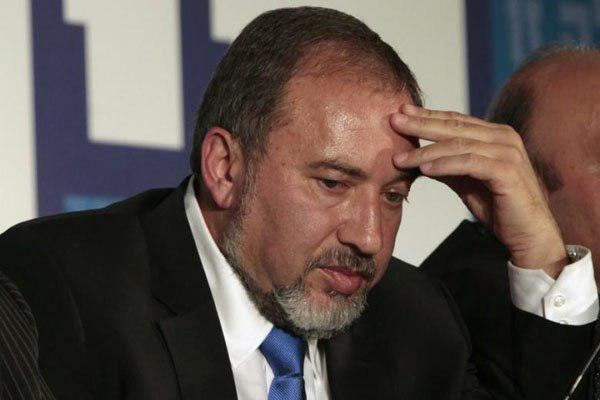 مقاومة غزّة تدفع ليبرمان للاستقالة