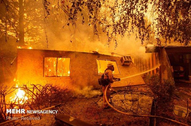 زبانه های آتش در کالیفرنیا