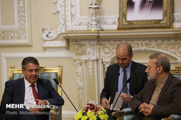 Larijani, former German FM meet in Tehran