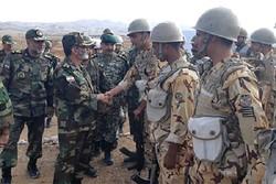 سرلشکر موسوی از تیپ های ۱۲۳ و ۲۸۴ نیروی زمینی ارتش بازدید کرد