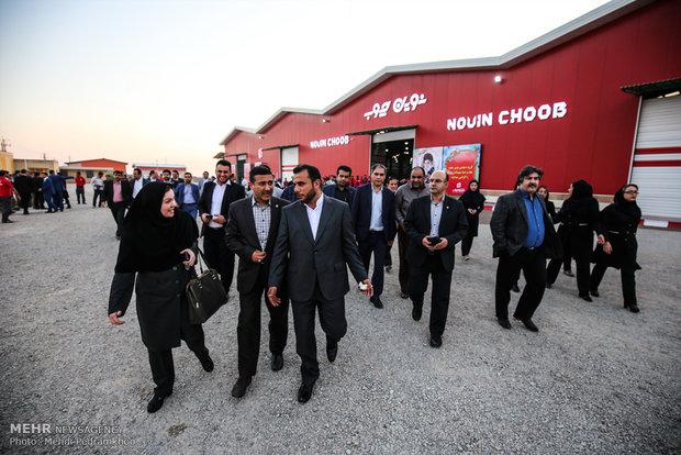 آیین افتتاحیه ورزشگاه فولاد خوزستان و بهره برداری از فاز دوم کارخانه گروه صنعتی نوین چوب  با حضور اسحاق جهانگیری