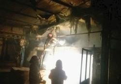 کارگاه تولیدی کفش در تبریز طعمه حریق شد
