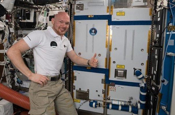 بازدم فضانوردان به هوای قابل تنفس تبدیل می شود