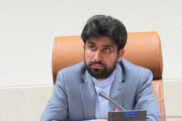برخی مسئولان اردستان رفع مشکلات مردم را بامسائل سیاسی گره زدهاند