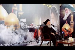 آیت الله ملک حسینی(ره) یکی از پیشتازان انقلاب بود