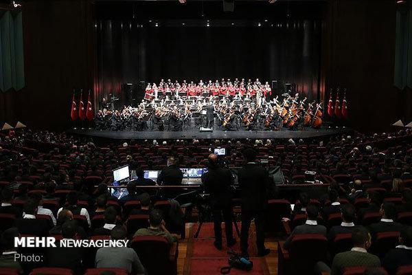 رهبران ارکستر دنیا در استانبول روی صحنه می روند
