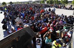 رسیدن مهاجران به مرز آمریکا و مکزیک