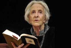 بانوی شاعر، برنده جایزه سروانتس ۲۰۱۸ شد