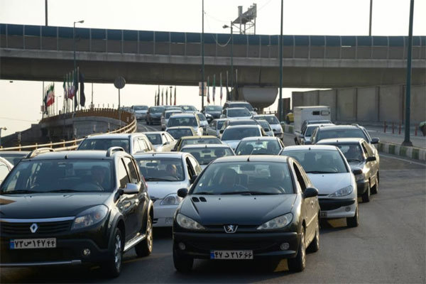 ترافیک نیمه سنگین در آزادره قزوین به کرج و کرج به تهران,
