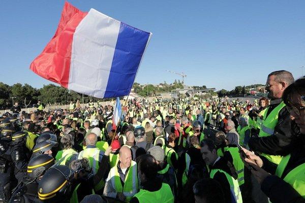 فلم/ فرانس میں زخمی مظاہرین کی تعداد میں اضافہ