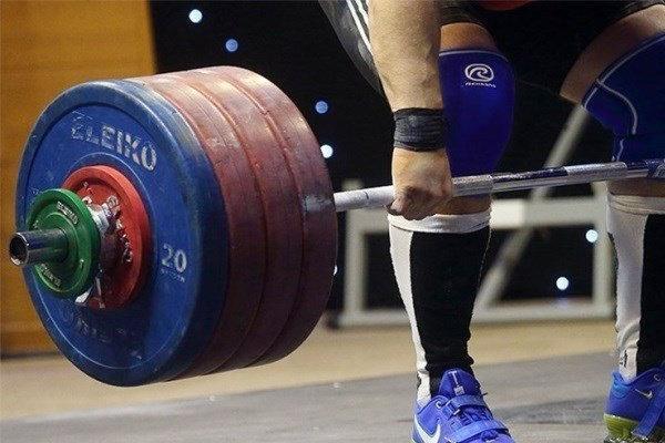 Türkiye'de İranlı halterci gümüş madalya kazandı