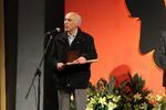 اهدای جایزه ترویج علم به برگزیده جایزه جلال